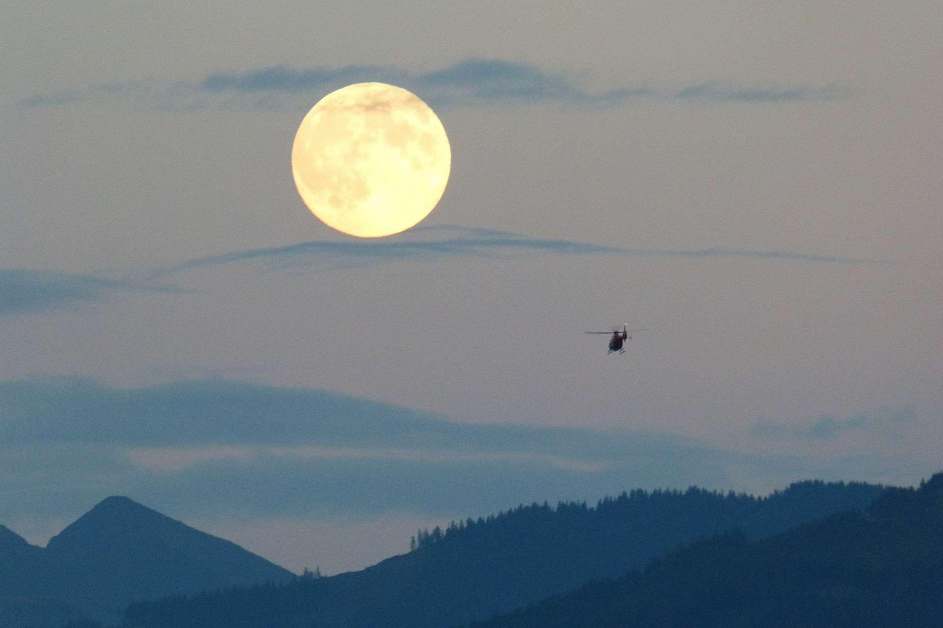 Fullmåne och tredje vågens uppstigning. Var med på fullmåne ritual idag kl 24.00